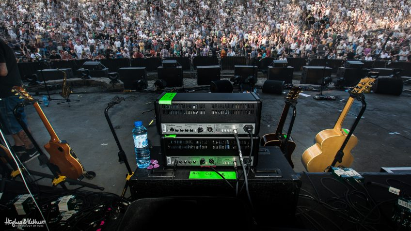 As we've said many, many times on the Blog Of Tone, a small amp can fill the biggest stage in the world if you do it right.