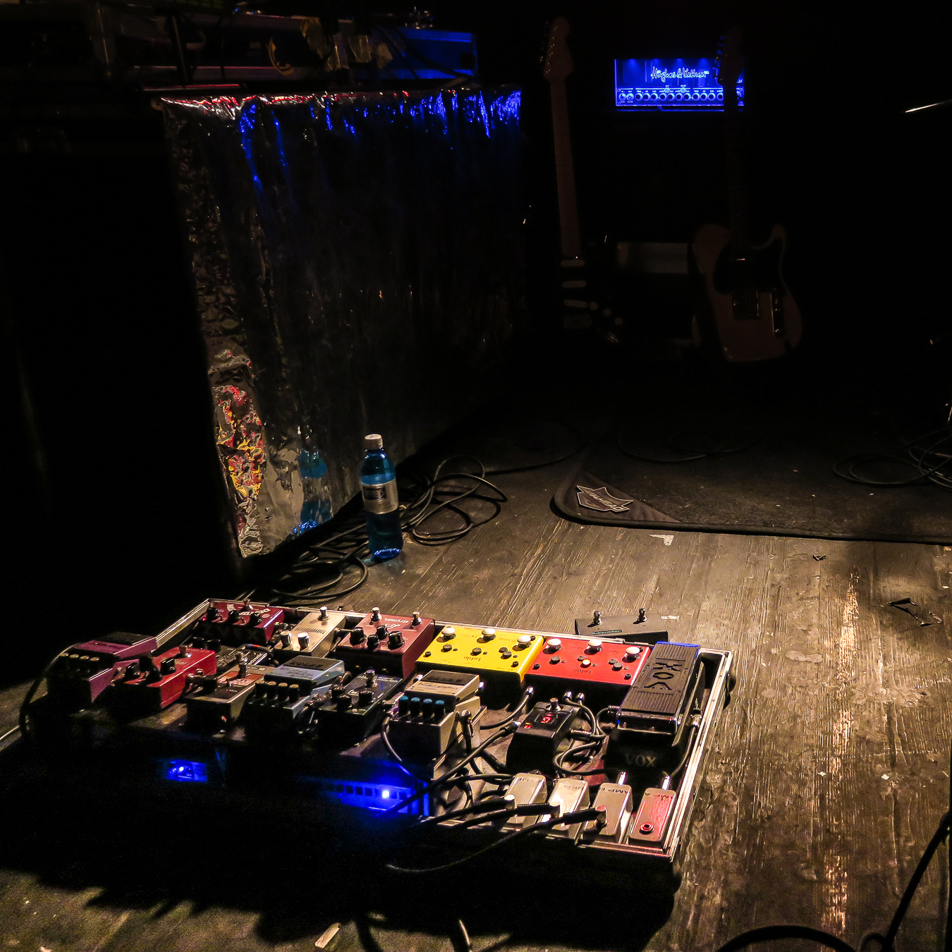effects pedal order the fx loop explained and the four cable method hughes kettner blog. Black Bedroom Furniture Sets. Home Design Ideas
