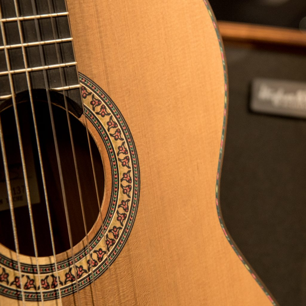 Finding the best pickups and amplifier for your nylon-string guitar